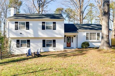 Henrico Single Family Home For Sale: 806 Lakewater Drive