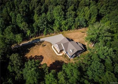 Powhatan Single Family Home For Sale: 2323 Branchway Creek Drive