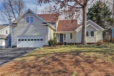 Midlothian Single Family Home For Sale: 5817 Spinnaker Cove Road