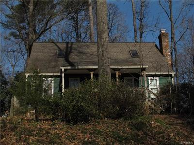 Chesterfield Single Family Home For Sale: 8104 Foxcatcher Court