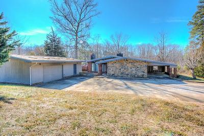 Powhatan Single Family Home For Sale: 2911 Lake Louise Drive