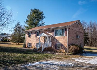 Powhatan VA Single Family Home For Sale: $199,950