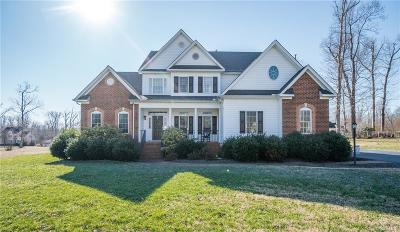 South Chesterfield Single Family Home For Sale: 407 Walthall Crest Court