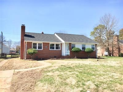 Richmond Single Family Home For Sale: 102 Meadowspring Road