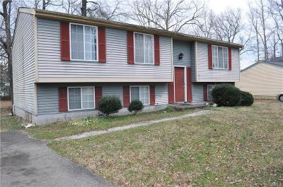 Chesterfield Single Family Home For Sale: 7413 Summertree Drive