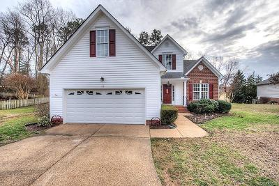 Chesterfield Single Family Home For Sale: 8624 Emerald Valley Circle