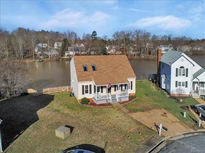 Chesterfield Single Family Home For Sale: 7822 Breaker Point Court