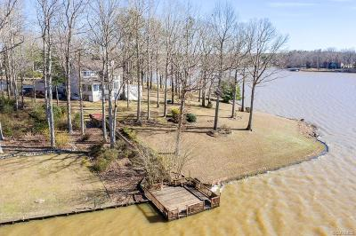 South Chesterfield Single Family Home For Sale: 20238 Oak River Court