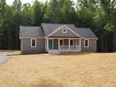 Amelia County Single Family Home For Sale: 12451 Deaton Lane