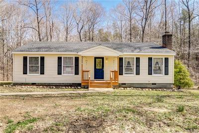 Powhatan Single Family Home For Sale: 5660 Lakeside Loop