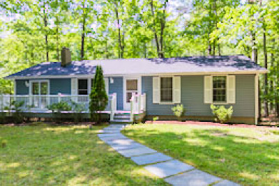 Lancaster Single Family Home For Sale: 473 Bermuda Road