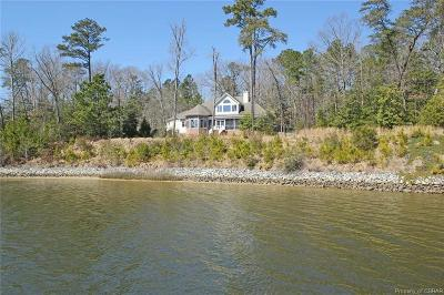 Lancaster Single Family Home For Sale: 1366 Eagles Trace