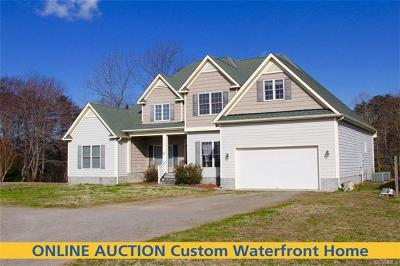 Single Family Home For Sale: 132 Captains Way