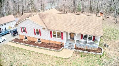 Powhatan Single Family Home For Sale: 2115 Chestnut Estates Drive