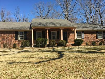 Midlothian Single Family Home For Sale: 420 Old Otterdale Rd