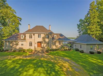 Middlesex County Single Family Home For Sale: 1033 Wilton Creek Road