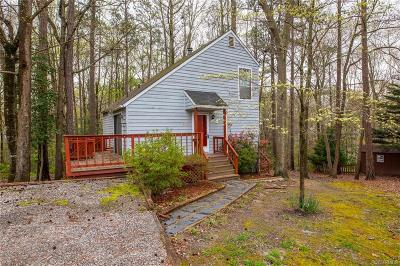 North Chesterfield Single Family Home For Sale: 8401 Scottingham Court