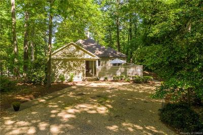 Irvington Single Family Home For Sale: 293 Cottage Lane
