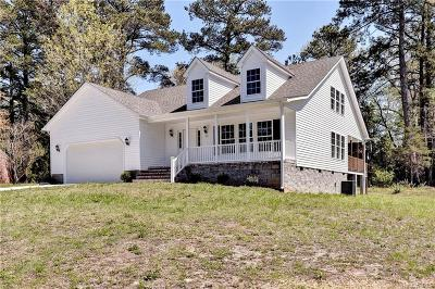 Single Family Home For Sale: 105 Leon Drive