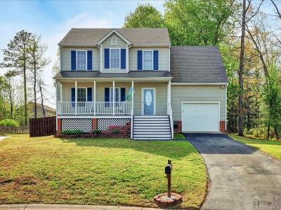 Chesterfield Single Family Home For Sale: 7836 Shady Banks Terrace