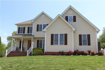 Single Family Home For Sale: 8124 Castle Grove Drive