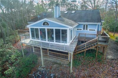 Middlesex County Single Family Home For Sale: 279 Mallard Drive
