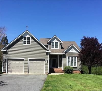 Middlesex County Single Family Home For Sale: 209 Windward Watch Lane