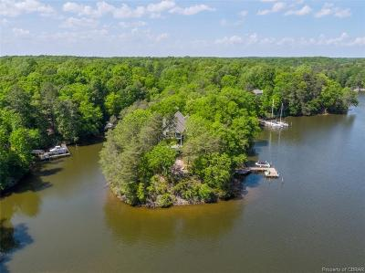 Middlesex County Single Family Home For Sale: 1037 Wilton Coves Drive
