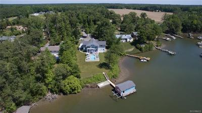 Deltaville Single Family Home For Sale: 104 Pine Crest Circle