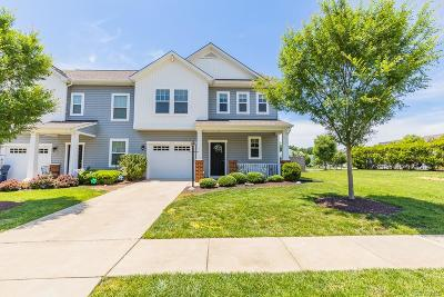Henrico Condo/Townhouse For Sale: 2100 New Market Village Boulevard #2100