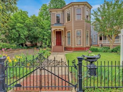 Petersburg Single Family Home For Sale: 402 High Street
