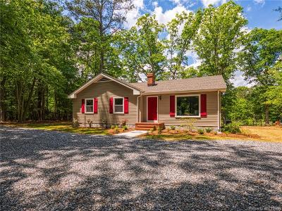 Middlesex County Single Family Home For Sale: 91 Fork Creek Lane