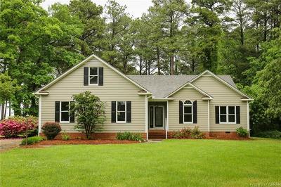 Middlesex County Single Family Home For Sale: 44 Kilmer Lane