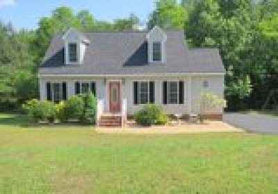 Chester VA Single Family Home For Sale: $208,000