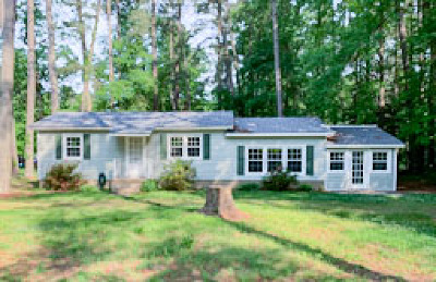 Middlesex County Single Family Home For Sale: 690 Coachpoint Road
