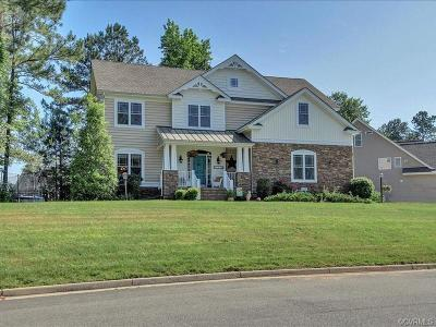 Chesterfield Single Family Home For Sale: 8330 Longlands Place