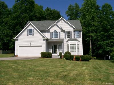 Chesterfield County Single Family Home For Sale: 14225 Lyndhurst Drive