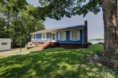 Middlesex County Single Family Home For Sale: 131 Beach Drive