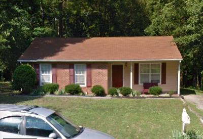 North Chesterfield Single Family Home For Sale: 9219 Lost Forest Drive