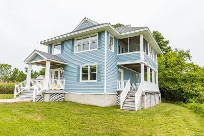Deltaville Single Family Home For Sale: 51 Harbour Drive