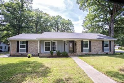 Midlothian Single Family Home For Sale: 1620 Featherstone Drive