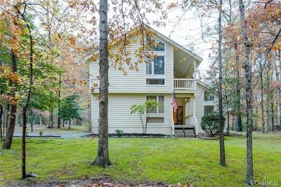 Midlothian Single Family Home For Sale: 13518 Queensgate Road
