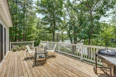 Lancaster Single Family Home For Sale: 1570 Riverwood Drive