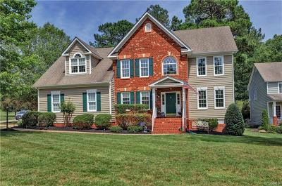 Chesterfield Single Family Home For Sale: 8000 Hampton Arbor Circle