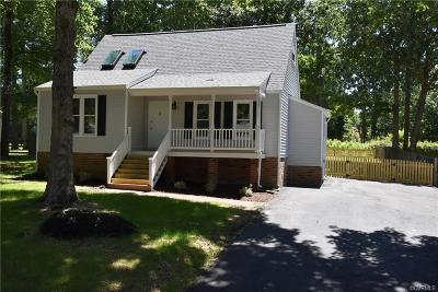 Chesterfield Single Family Home For Sale: 7029 Chateaugay Lane