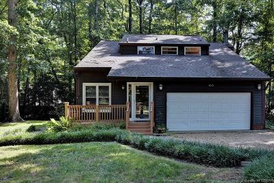 Single Family Home For Sale: 100 Somerset Circle