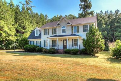 Powhatan County Single Family Home For Sale: 6337 Walnut Tree Drive