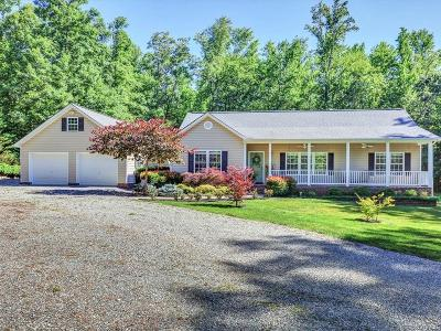 Powhatan Single Family Home For Sale: 5826 Trenholm Woods Drive