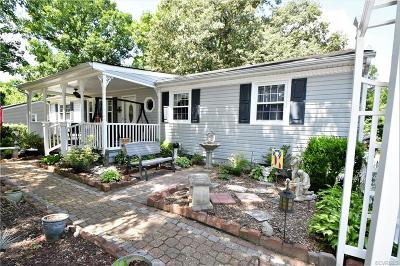 Chesterfield Single Family Home For Sale: 15612 Saddlebrook Road