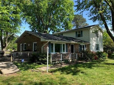 Heathsville Single Family Home For Sale: 395 Pine Point Drive